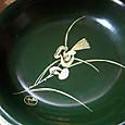 緑漆の茸絵木皿。